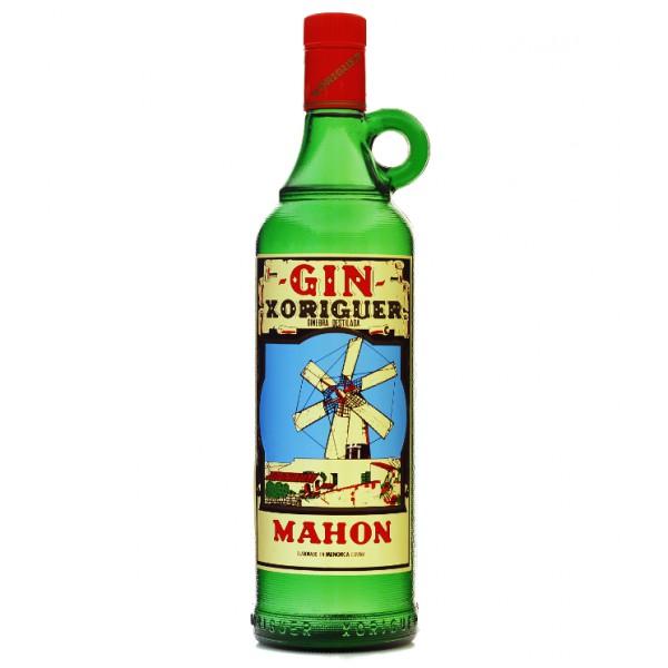 La clásica botella de Gin Xoriguer puede estar en tu mesa en pocos días.